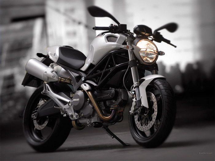 Ducati 696 MONSTER 2008 - 46