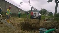 Aguas de Chuno realiza arreglo de tubería de aguas servidas en avenida Eloy Alfaro