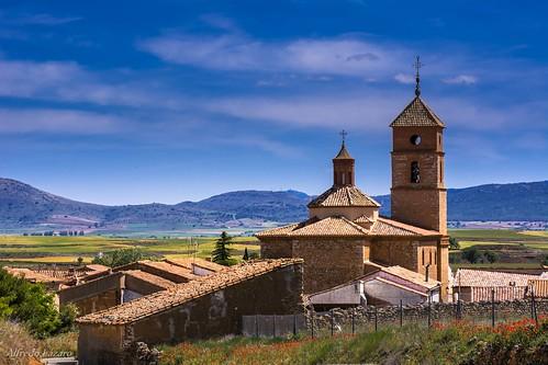 Paisaje e Iglesia de San Lorenzo