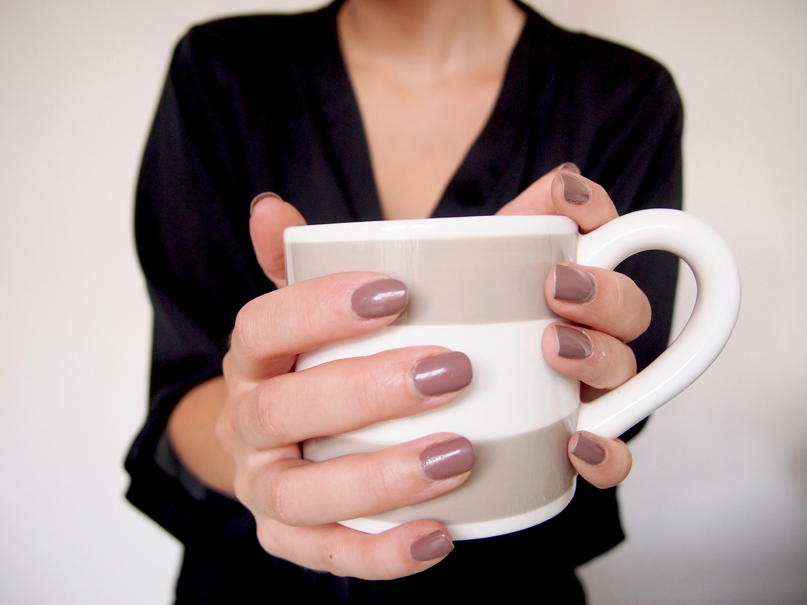6x HOW TO MAKE YOUR MORNINGS EASIER