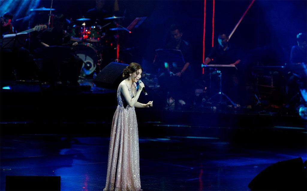 """"""" Như những đóa hoa """" Live Concert 5"""