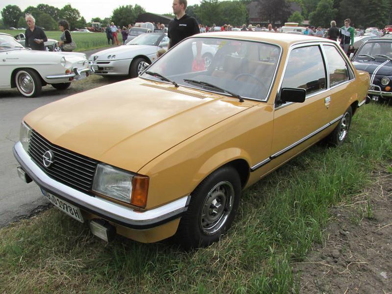 Opel Rekord Berlina Opel Rekord D Berlina Nakhon100 Flickr
