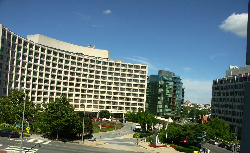 Hotels Near Jackson Heights