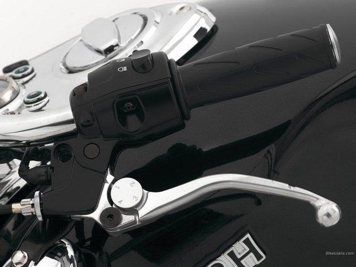 Triumph 800 BONNEVILLE AMERICA 2001 - 24