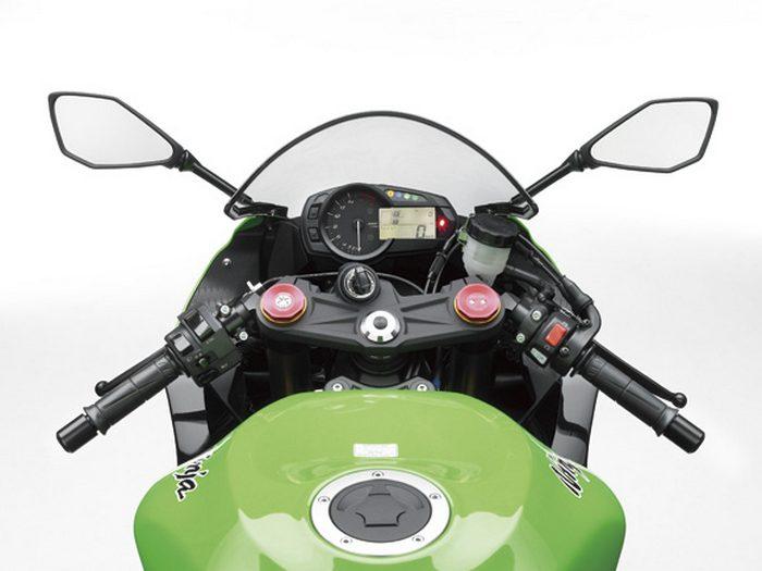 Kawasaki ZX-6 R 636 2013 - 13