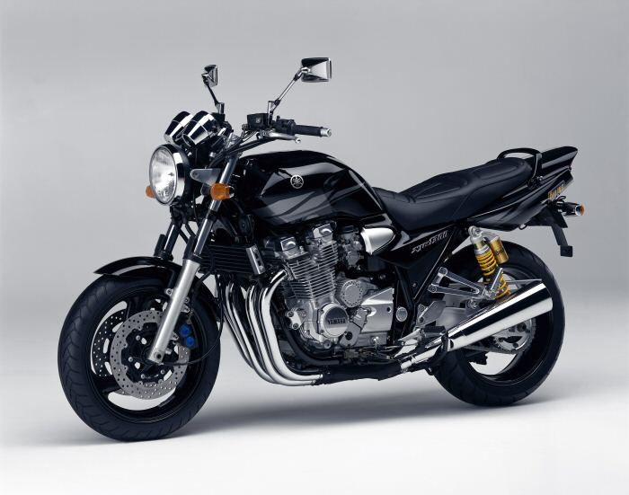 Yamaha XJR 1300 2000 - 10