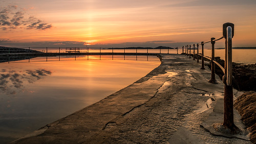 2017 lavalette bathingpools dawn guernsey sunrise sun weather summer reflection