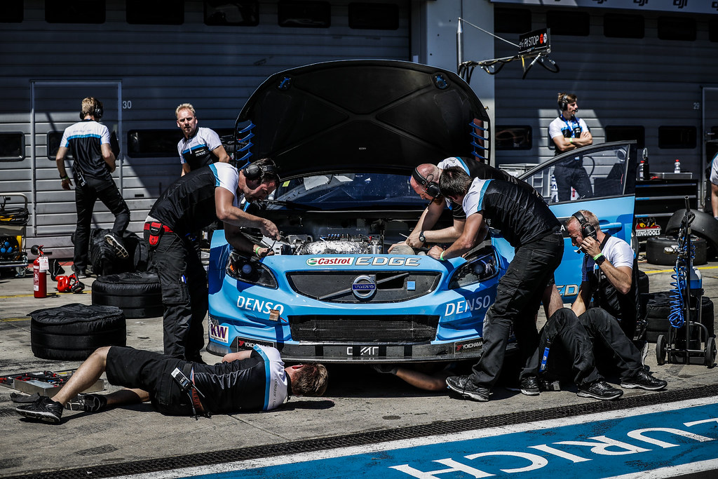 61 GIROLAMI Nestor (arg), Volvo S60 Polestar team Polestar Cyan Racing, ambiance pitlane during the 2017 FIA WTCC World Touring Car Race of Nurburgring, Germany from May 26 to 28 - Photo Florent Gooden / DPPI