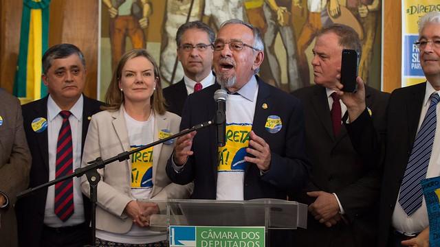 Coordenador da Frente das #DiretasJá, senador Capiberibe, pede mobilização por todo o país - Créditos: Lula Marques | AGPT