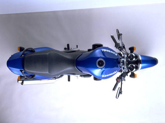Kawasaki 750 ZR-7 N 2004 - 8