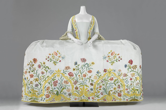 Dress (Mantua) with Train, anonymous, 1759