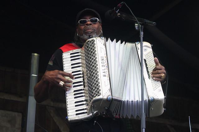 C. J. Chenier & the Red Hot Louisiana Band (2017) 01