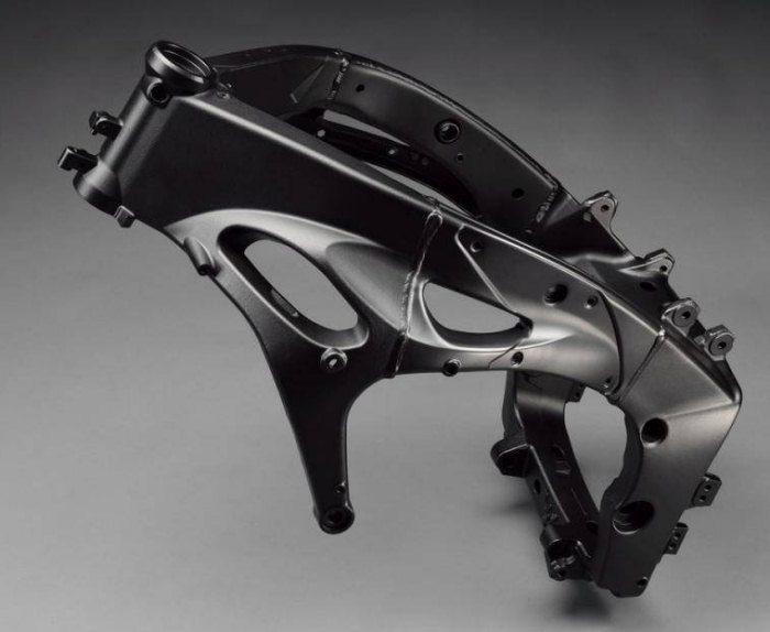 Yamaha YZF-R1 1000 2012 - 4