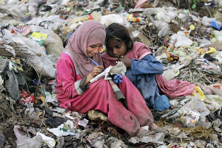 """Thánh Vinh Sơn Phaolô: """"Người nghèo là thầy của chúng ta"""""""
