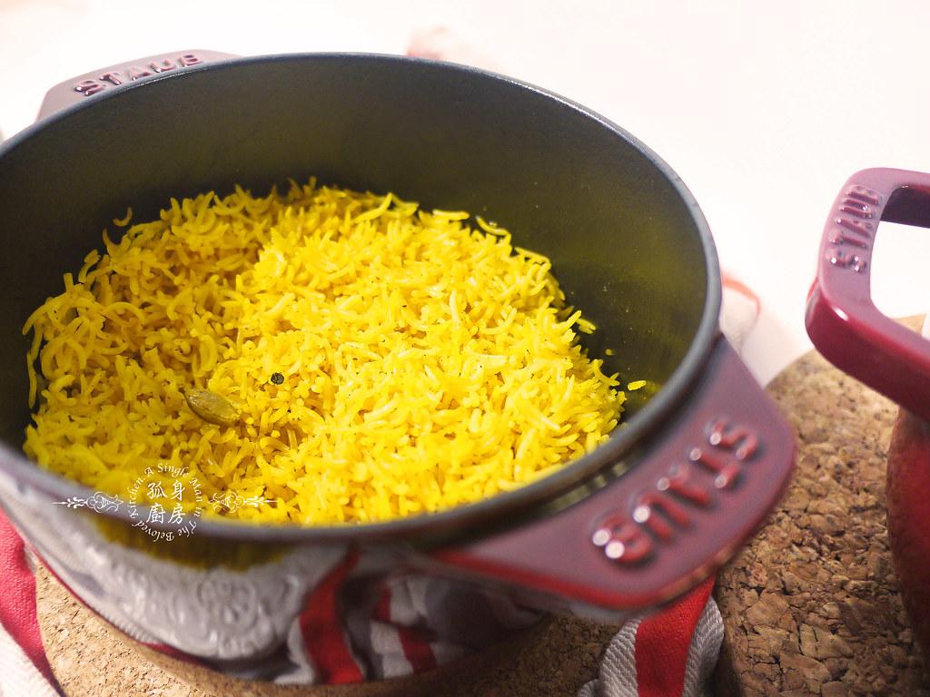 孤身廚房-Staub媽咪鍋煮超滿的印度蔬食花椰菜咖哩53