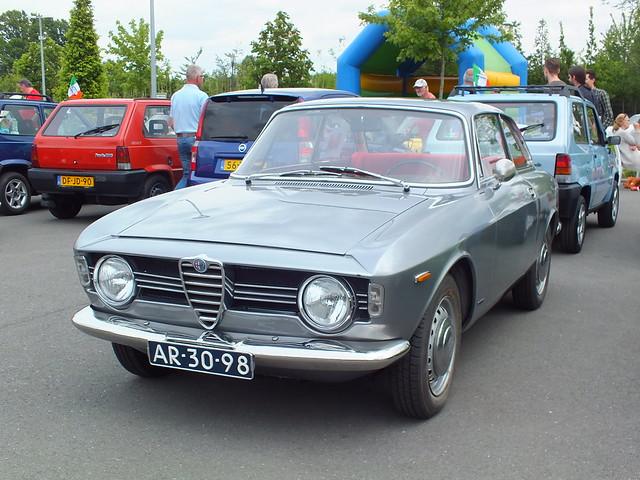 Alfa Romeo Giulia Pronunciation >> GTV definition/meaning