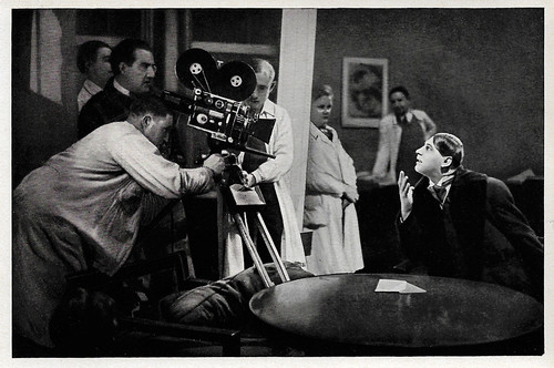 Fritz Rasp at the set of Frau im Mond (1929)