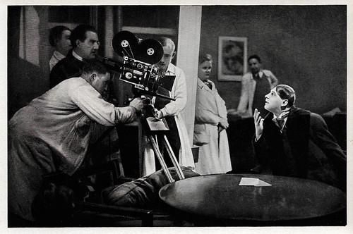 Fritz Rasp at the set of Frau im Mond (1929)