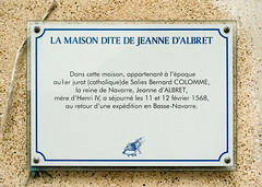 Photo of Jeanne D'Albret white plaque
