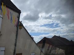 On the coach to Semur-en-Auxois - Rue de Paris - bunting