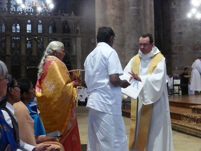 2017 06 25 Ordination presbyérale Manoj Visuvasam, cathédrale de Rodez (204)
