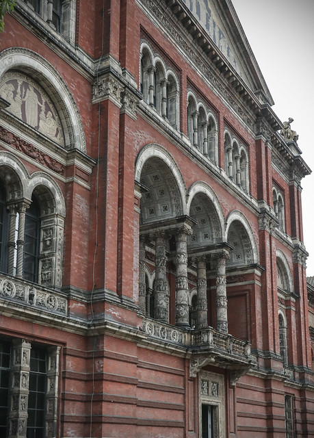 Rainy day at V&A