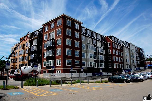 Landing-53-Luxury-Apartments-Downtown-Braintree-MBTA-Commuter-Rail