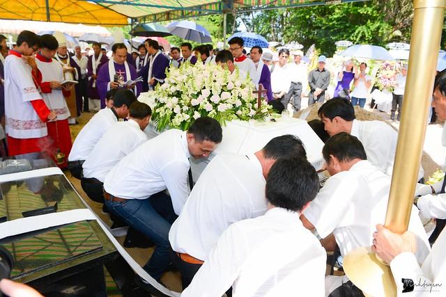 Lễ An Táng Thân Phụ Đức TGM Giuse Nguyễn Chí Linh - Ảnh minh hoạ 21