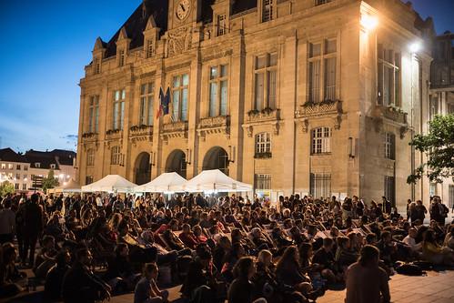 Fri, 06/09/2017 - 22:54 - Photos de la soirée en plein air à Saint-Denis : concert Naissam Jalal & Osloob, Repas Palestinien, Projection Gaza Surf Club© Stéphane Burlot