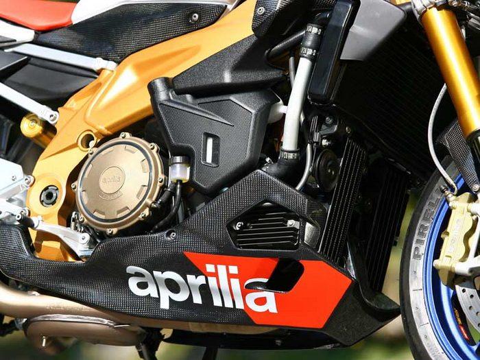 Aprilia TUONO 1000 R FACTORY 2007 - 3
