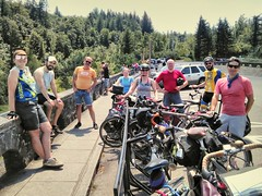 The crew from #midweekgorgeridejune2017 having lunch at Women's Forum. #pedalpalooza2017 #pedalpalooza #columbiagorge