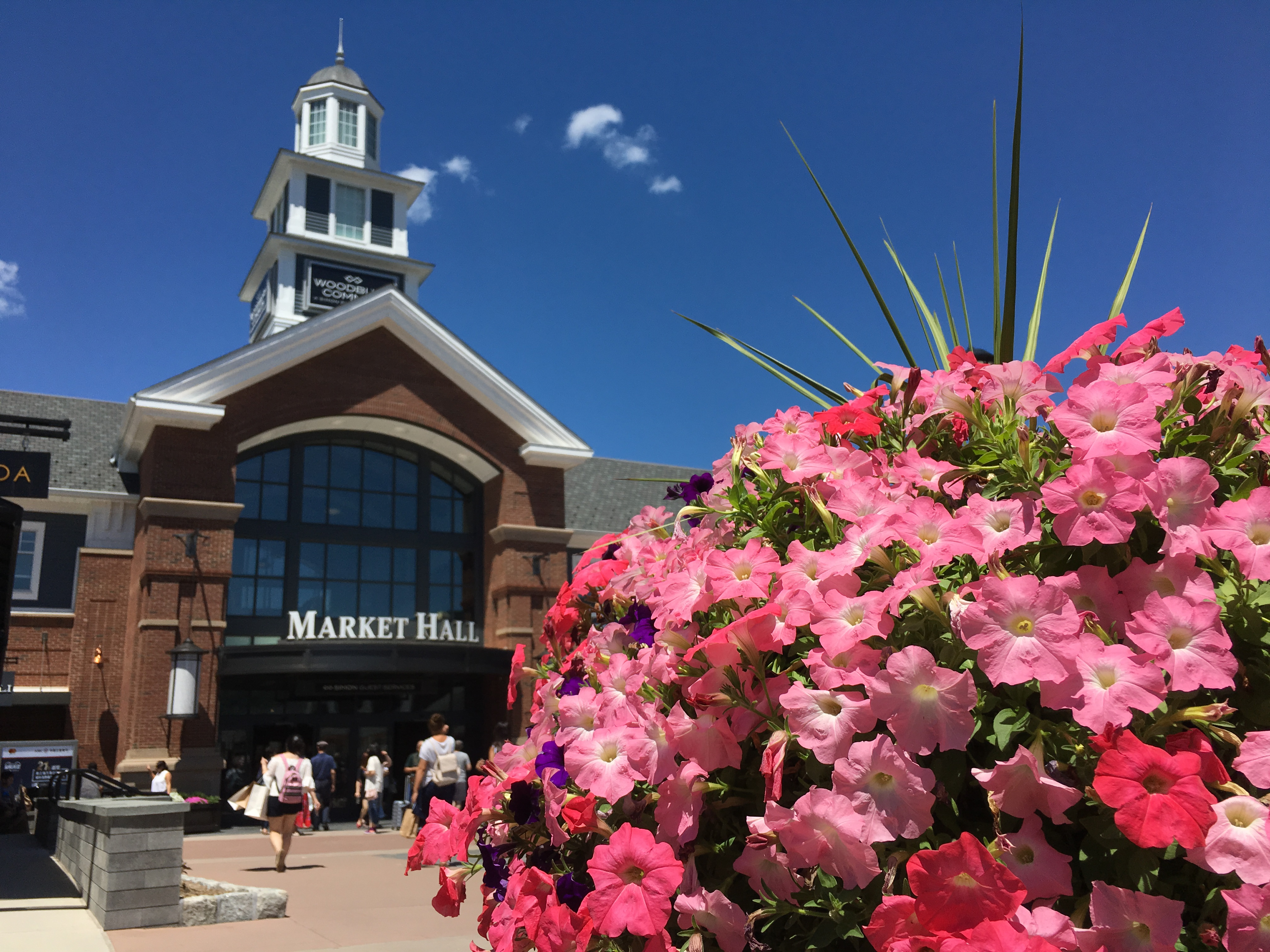 Shop, Hop, and Top (4 Day Value Package) - Woodbury Commons Premium Outlet