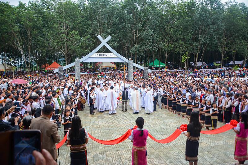 Văn Nghệ Tạ Ơn và Thánh Lễ Khánh Thành Nhà Thờ Đắk Giấc - Giáo Phận Kon Tum