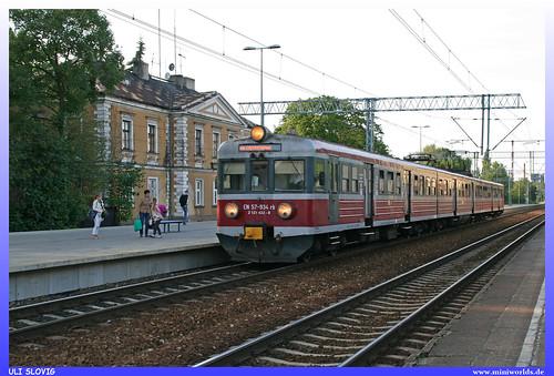 en 57 934 rb 2 121 433 8 przewozy regionalne sp regional zug train railway railroad nahverkehr eisenbahn bahn polen polska poland triebzug regionalny pociąg