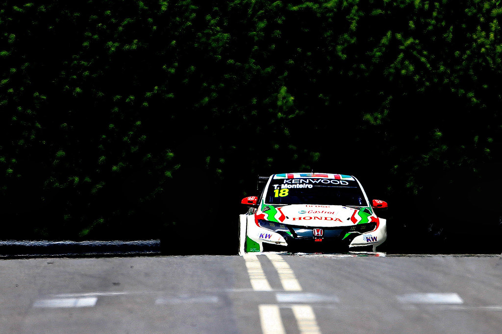 18 MONTEIRO Tiago (prt) Honda Civic team Castrol Honda WTC action during the 2017 FIA WTCC World Touring Car Championship race of Portugal, Vila Real from june 23 to 25 - Photo Paulo Maria / DPPI