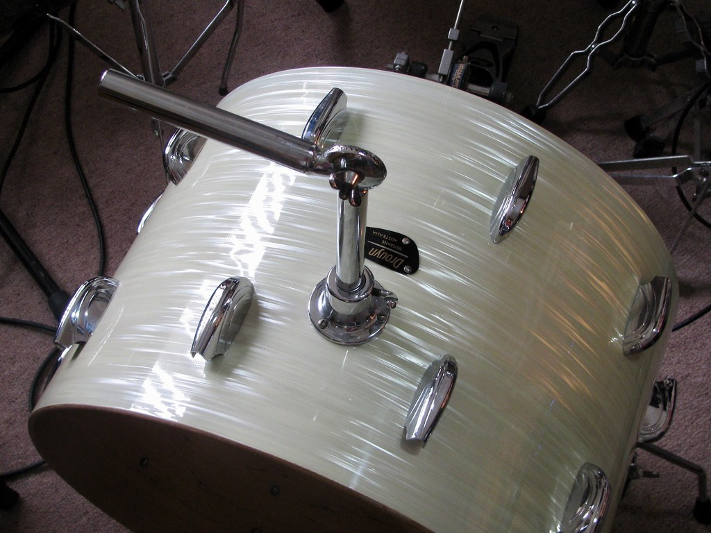 Drouyn bass drum hardware