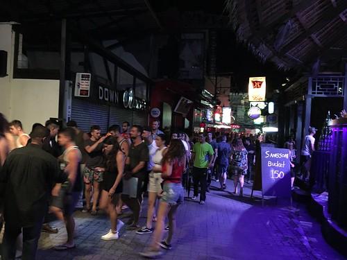 サムイ島 夜のチャウエン バー&クラブ