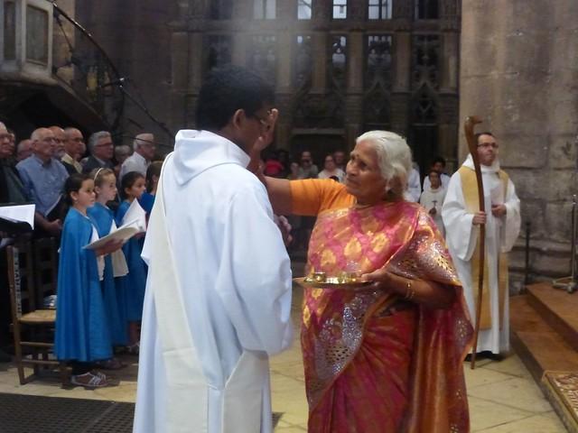 2017 06 25 Ordination presbyérale Manoj Visuvasam, cathédrale de Rodez (87)