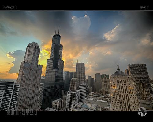 sunset sky cloud sun chicago shadow light skyscrapers cityscape skyline tomraveninamerica q32017 fujifim xt10 500px tomraven aravenimage