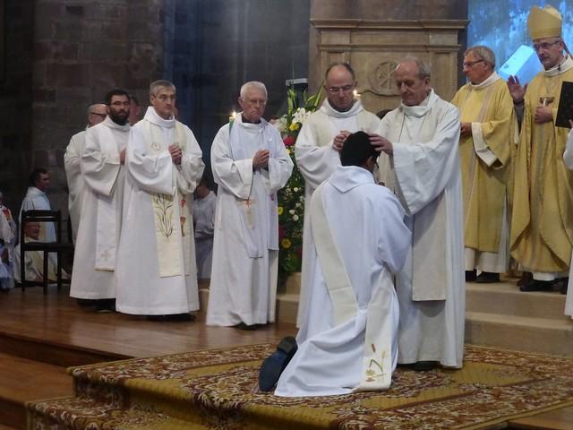2017 06 25 Ordination presbyérale Manoj Visuvasam, cathédrale de Rodez (180)