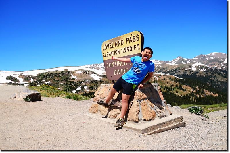 Loveland Pass' summit 1