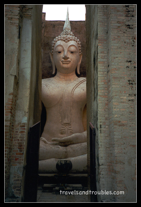 Phra Achana in Wat Si Chum