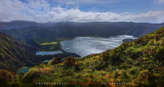 Lago do Fogo (El Lago del Fuego), una de las 7 maravillas de Portugal en la Isla de Sâo Miguel en Azores // Lago do Fogo island of Sao Miguel Azores