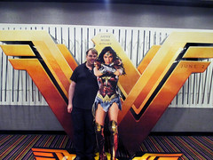 Wonder Woman Battle Armor Standee Me 18113