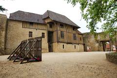 Haute-cour du château de Crèvecœur-en-Auge