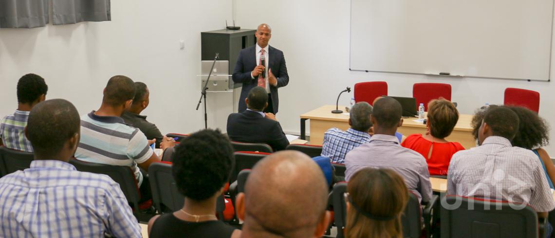 "Conferência sobre ""How can Praia tap into Boston's innovation economy?"""