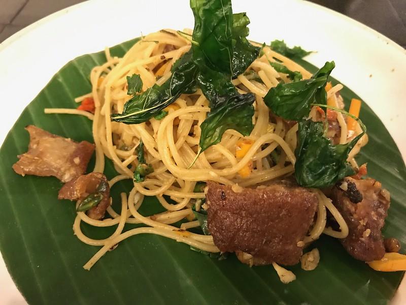 Spaghetti w/ Crispy Pork Knuckle & Herbs in Vanilla Homecafe