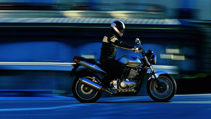 Honda CBF 500 2004 - 8