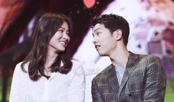 descendants-of-the-sun-stars-song-hye-kyo-and-song-joong-ki-at-the-chengdu-fan-meet-on-june-17
