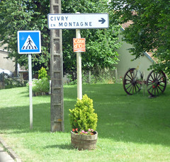 Grande Rue, Grosbois-en-Montagne - wheels